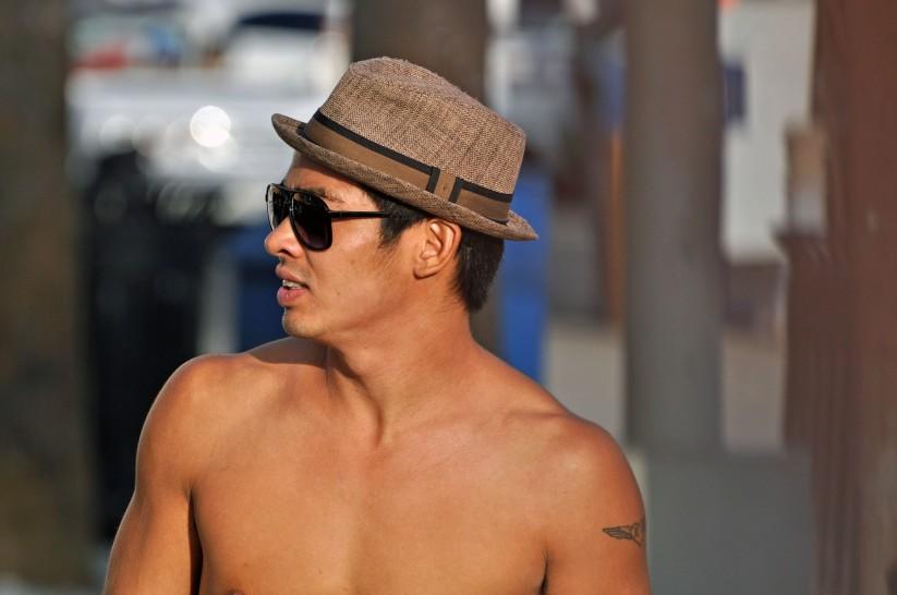 street performer at Venice Beach, California