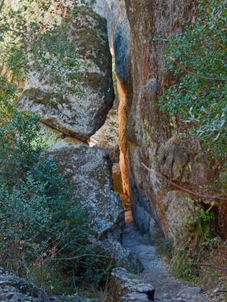 the path to Bear Gulch Cave