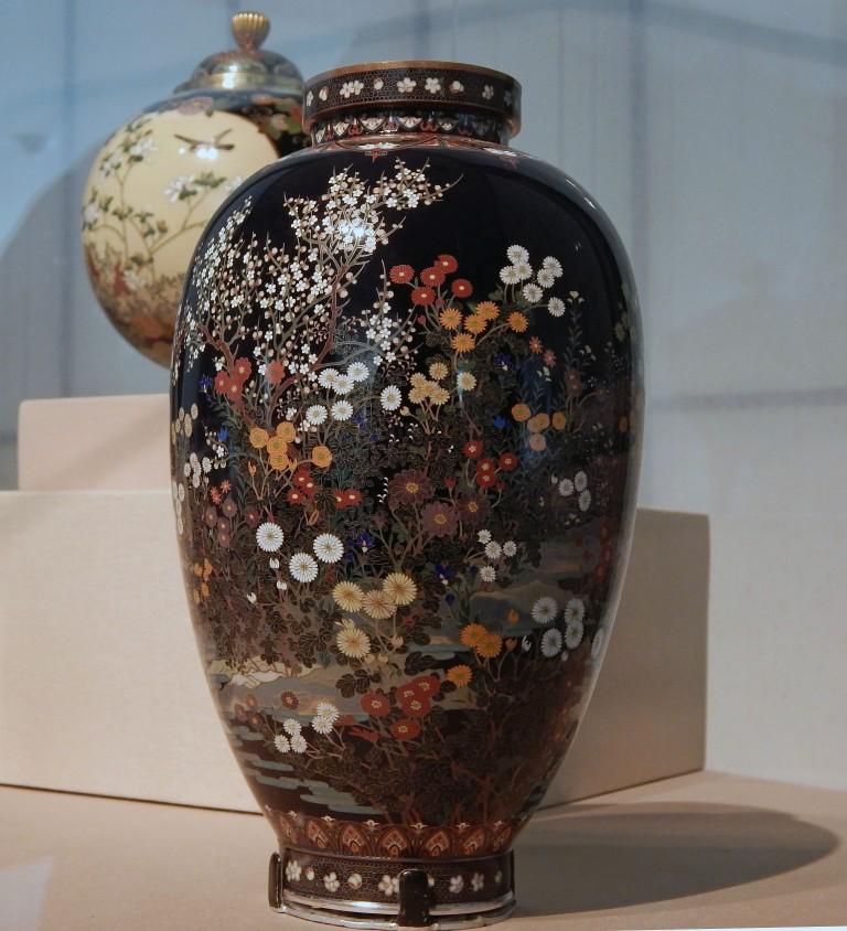 cloissone jar